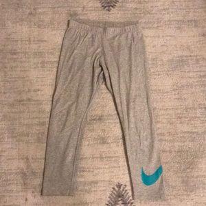 Size small Nike Leggings- Capri Length